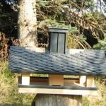 Vogelhaus mit Schieferdeckung